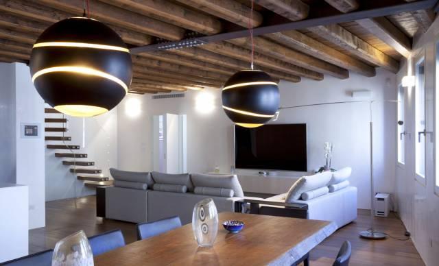 due lampadari